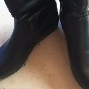 Roxie black boots. Size 8